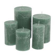 Durchgefärbte Kerzen Grün unterschiedliche Größen